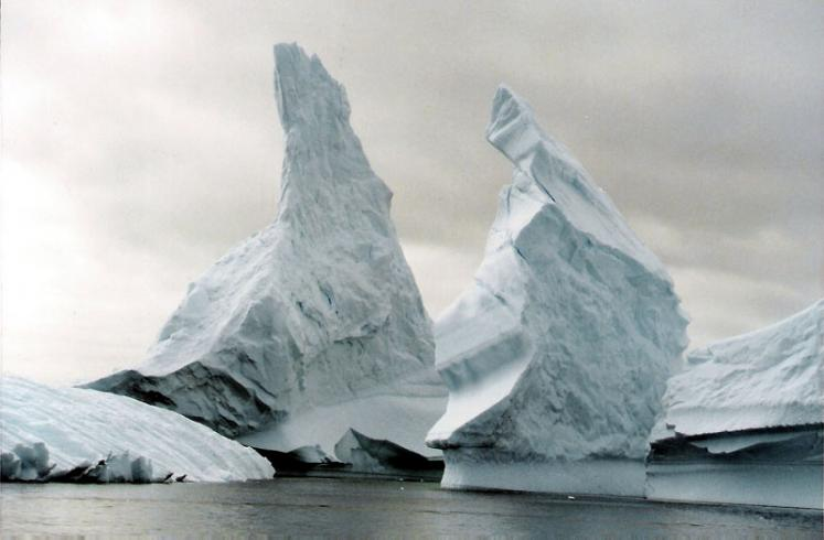 World Travel Photos :: Winter  :: Antarctica. Icebergs