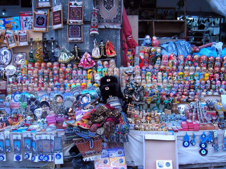 World Travel Photos :: Azerbaijan :: Baku. A souvenir store