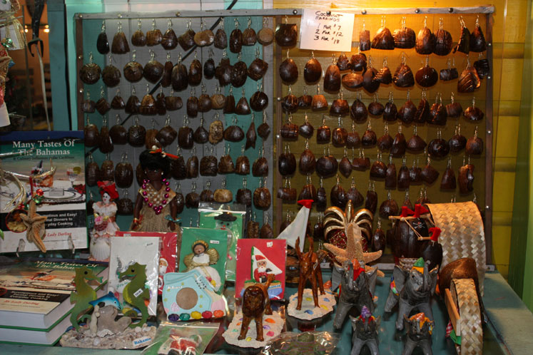 World Travel Photos :: Bahamas :: Nassau - a souvenir shop