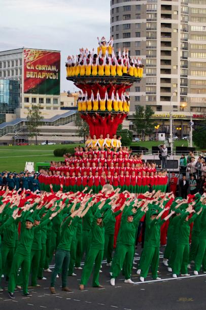 World Travel Photos :: Belarus - Minsk :: Minsk, Belarus - a rehearsal for the Independence Day parade - national colors of Belarus