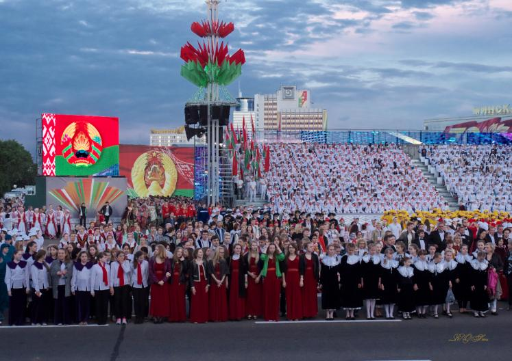 World Travel Photos :: Belarus - Minsk :: Minsk, Belarus - participants of the Independence Day parade
