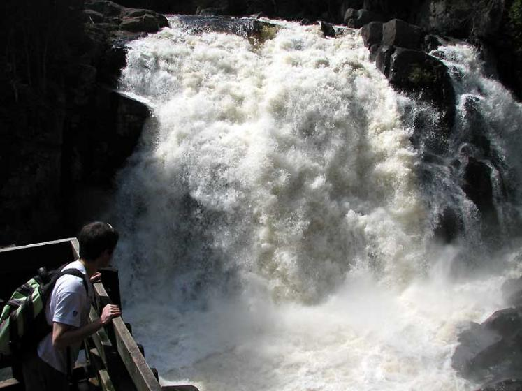 World Travel Photos :: Waterfalls :: Quebec. Parc du Mont-Tremblant - La Chute-du-Diable