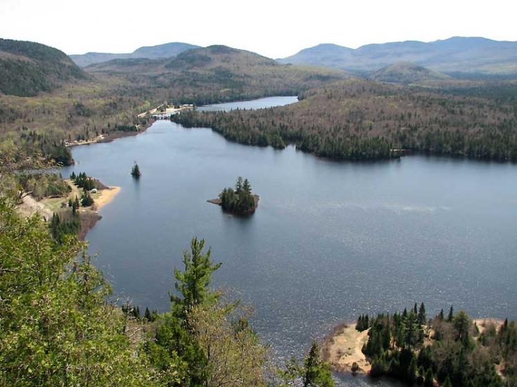 World Travel Photos :: Canada - Quebec - Mont-Tremblant :: Quebec. Parc du Mont-Tremblant - La Corniche