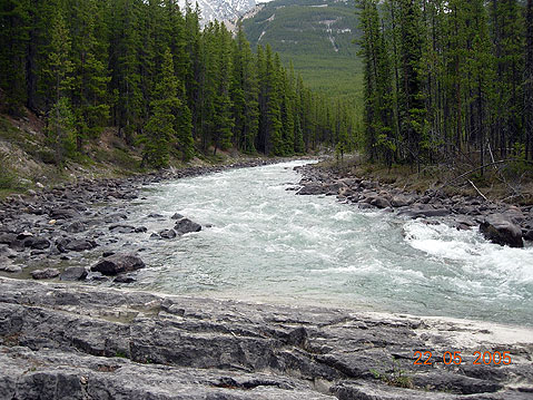 World Travel Photos :: Canada - Rocky Mountains :: Canadian Rocky Mountains. River