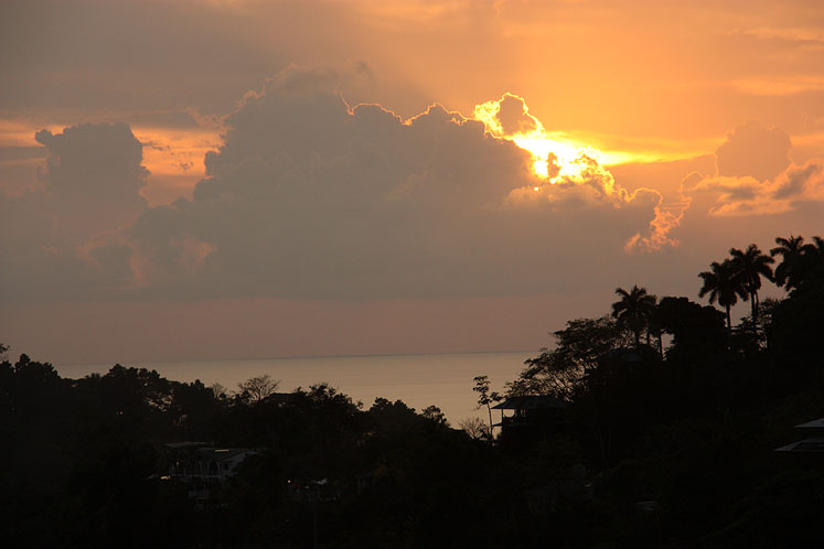 World Travel Photos :: Torontonian :: Costa Rica. A beautiful sunset in Manuel Antonio