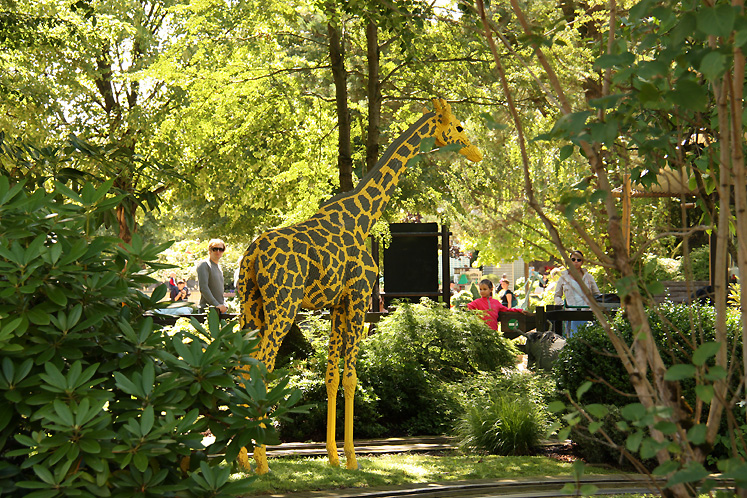 World Travel Photos :: Denmark - Billund - Legoland :: Billund. Legoland - a  giraffe made of LEGO