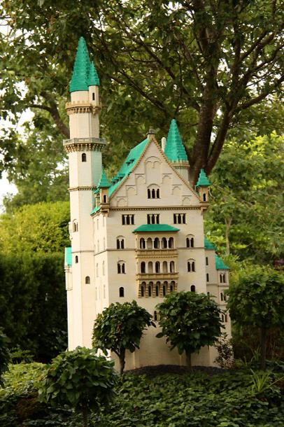 World Travel Photos :: Castles & palaces :: Legoland, Billund. A miniature castle