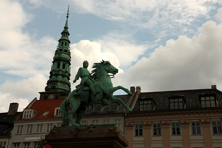 World Travel Photos :: Denmark - Copenhagen :: Absalon - the Founder of Copenhagen