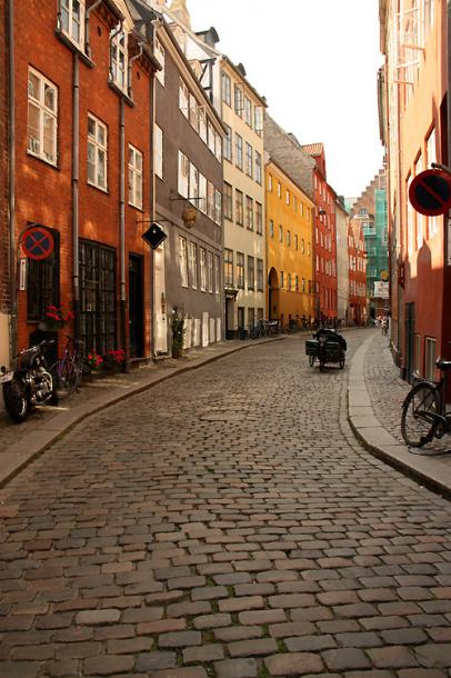 World Travel Photos :: Denmark - Copenhagen :: Copenhagen - a street od the old city