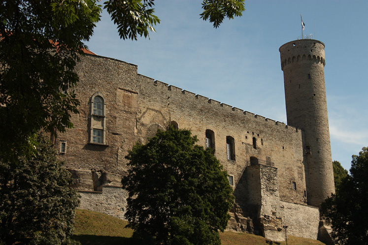 World Travel Photos :: Capitals of the world :: Tallinn. Toompea tower - a residence of Estonian Government