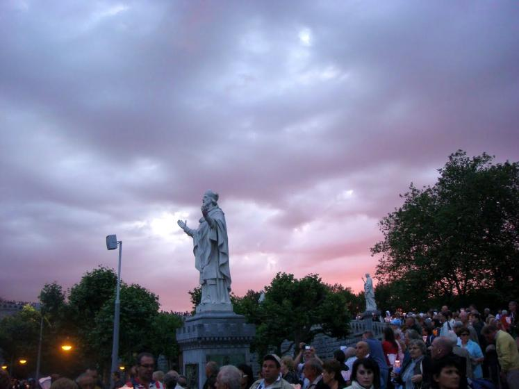 World Travel Photos :: France - Lourdes :: Lourdes. A purple sky
