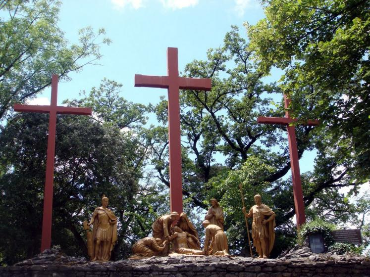 World Travel Photos :: France - Lourdes :: Lourdes. 12th Station: Jesus dies on the cross