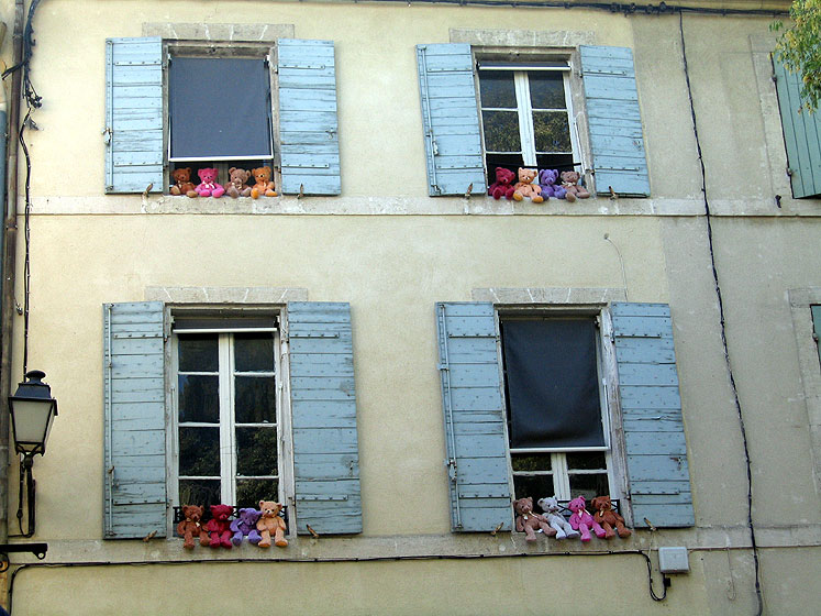World Travel Photos :: France - Provence :: Provence. Teddy bears