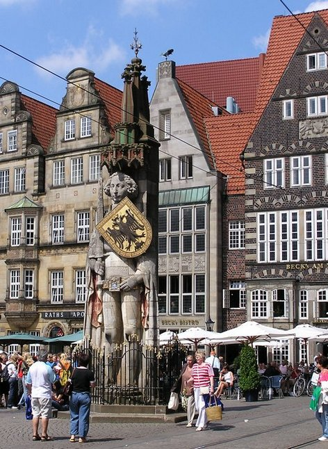 World Travel Photos :: Germany - Bremen :: Germany. Bremen - Most famous citizen of Bremen - Roland!