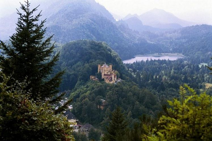 World Travel Photos :: Castles & palaces :: Germany. Bavaria - Castle Hohenschwangau