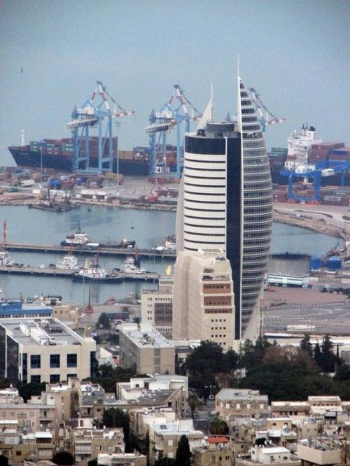 World Travel Photos :: Interesting unusual buildings :: Israel. Haifa.