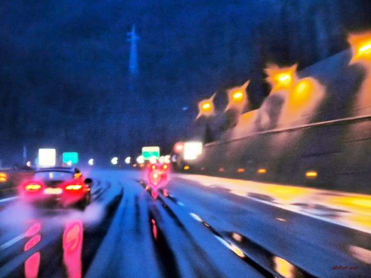 World Travel Photos :: Interesting perspectives :: Italy. Autostrada A7 Milano-Genova