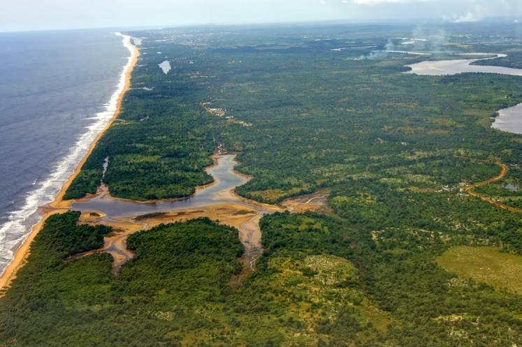 World Travel Photos :: Aerial views :: Liberia coast