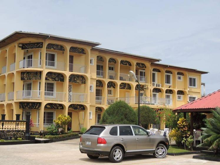 World Travel Photos :: Liberia - Monrovia :: Golden key hotel. Paynesville, Liberia