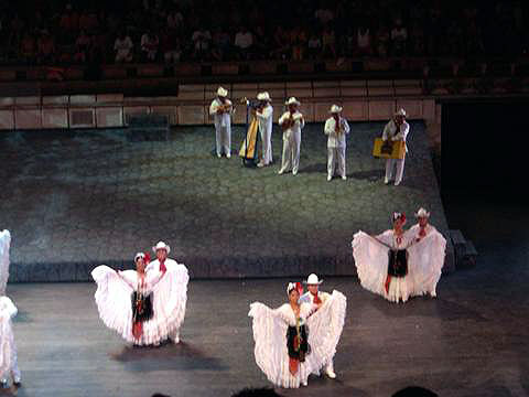 World Travel Photos :: Miulin :: Cancun. Mexican dancers