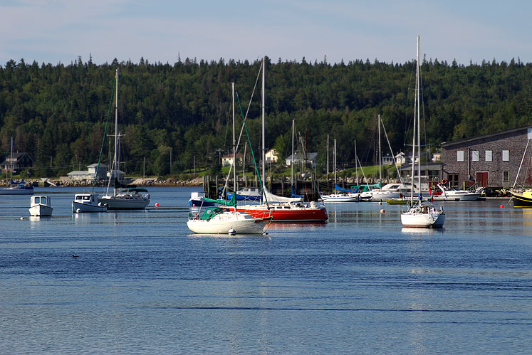 World Travel Photos :: Sea & ocean views :: Nova Scotia. Boats in a harbor