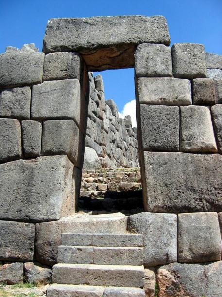 World Travel Photos :: Garth :: Peru. Ancient city Cusco - a doorway