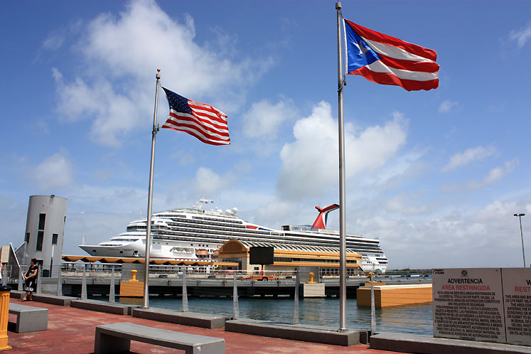 World Travel Photos :: Puerto-Rico - San Juan :: Puerto-Rico, San Juan - a Carnival Cruise Ship