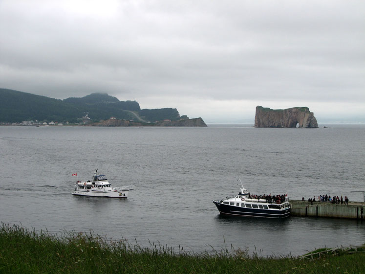 World Travel Photos :: Canada - Quebec - Bonaventure Island :: Quebec.Ferries bringing tourists from Perce to Bonaventure Island