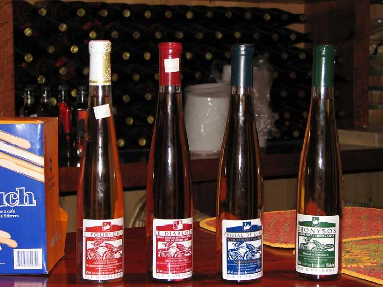 World Travel Photos :: Canada - Quebec - l´Ile-d´Orleans  :: Ile d´Orleans, Quebec - apple wines