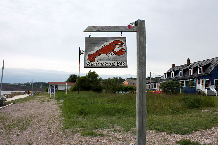 World Travel Photos :: Shop-Signs :: Quebec. Percé - a restaurant sign