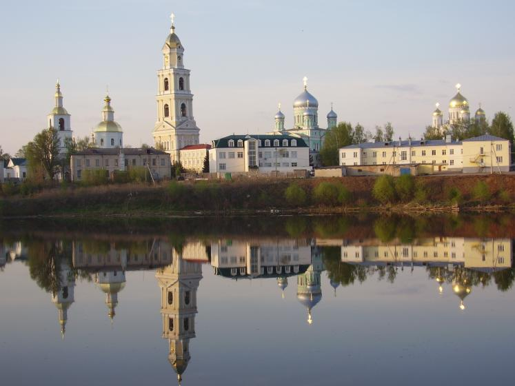 World Travel Photos :: Quiet small-town views :: Russia. A view on Divyeevo Monastery (Nizhny Novgorod District)