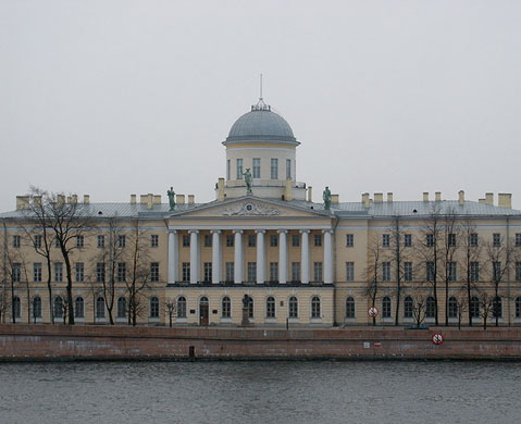 World Travel Photos :: Russia - St. Petersburg :: St. Petersburg. Admiral Makarov embankment - House of Alexander Pushkin
