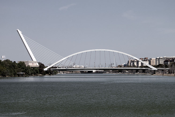 World Travel Photos :: Spain - Seville :: Seville. The Alamillo Bridge (Puente del Alamillo)