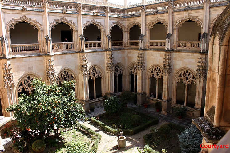 World Travel Photos :: Spain - Toledo :: Toledo. San Juan de los Reyes monastery - cortyard