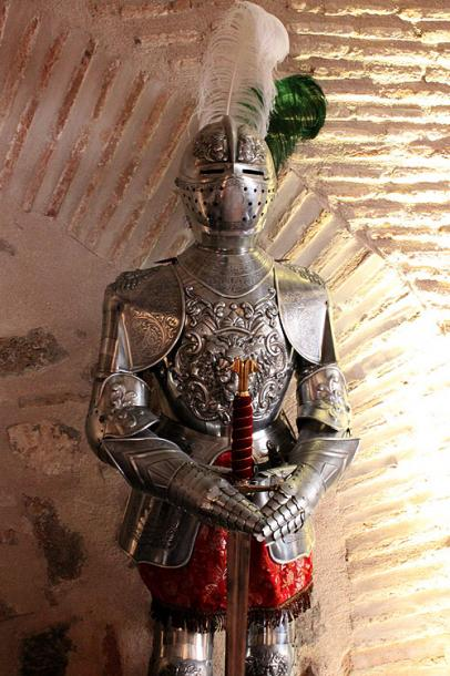 World Travel Photos :: Ancient world :: Toledo. A knight´s armor