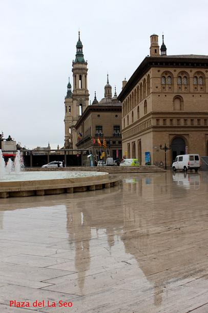 World Travel Photos :: Spain - Zaragoza :: Spain. Zaragoza - Plaza del la Seo after the rain