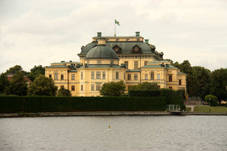 World Travel Photos :: Castles & palaces :: Stockholm - Drottningholm Palace - a residence of Swedish Royal family