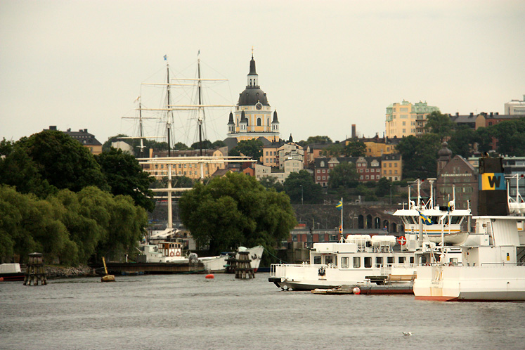 World Travel Photos :: Capitals of the world :: Stockholm. Ships in the harbor and a city view