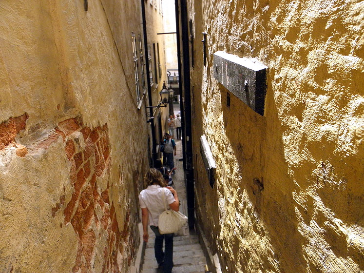 World Travel Photos :: Sweden - Stockholm :: Stockholm - a very narrow street