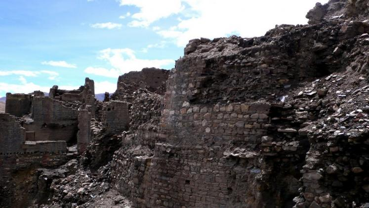 World Travel Photos :: Kwan Mei :: Rombuk monastery ruins