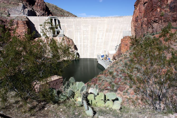 World Travel Photos :: USA - Arizona - Apache Trail :: Arizona. Apache Trail - Roosevelt Dam