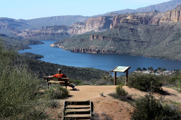 World Travel Photos :: USA - Arizona - Apache Trail :: Arizona. A peaceful rest at Apache Trail