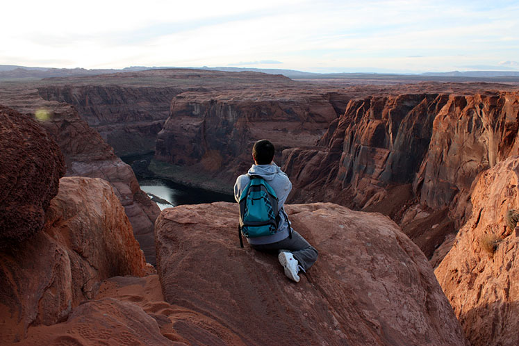 World Travel Photos :: Sunset Hunters :: Arizona. Horseshoe Bend - taking a photo is tricky