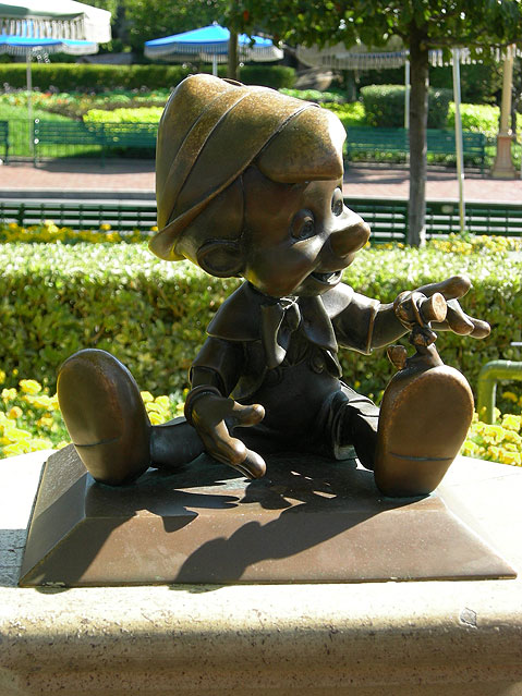 World Travel Photos :: Amusement & theme parks  :: Disneyland. Pinocchio