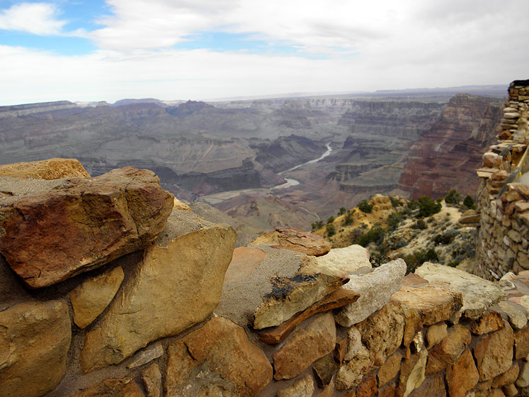 World Travel Photos :: USA - Arizona - Grand Canyon :: Arizona. Grand Canyon - a wall around the watchtower