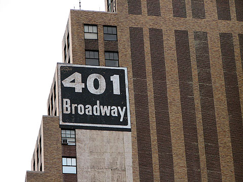 World Travel Photos :: City life - random scenes :: New York City. Broadway 401