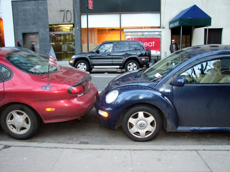 World Travel Photos :: City life - random scenes :: New York City. Not enough parking space?