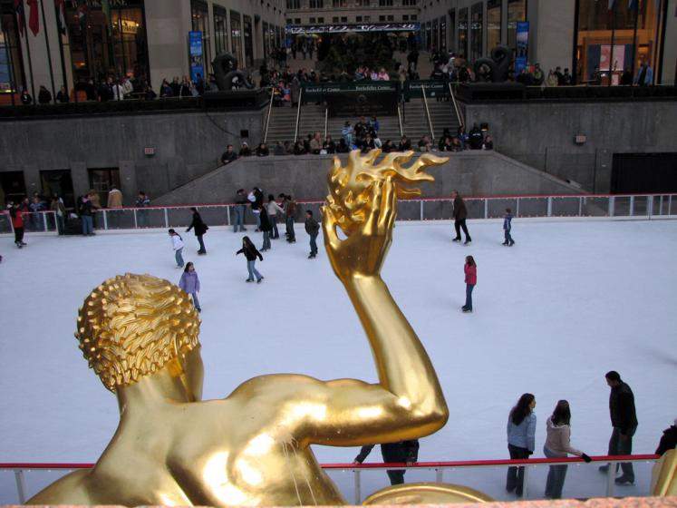 World Travel Photos :: Landmarks around the world :: New York City. Skating Rink in Rockfeller Centre