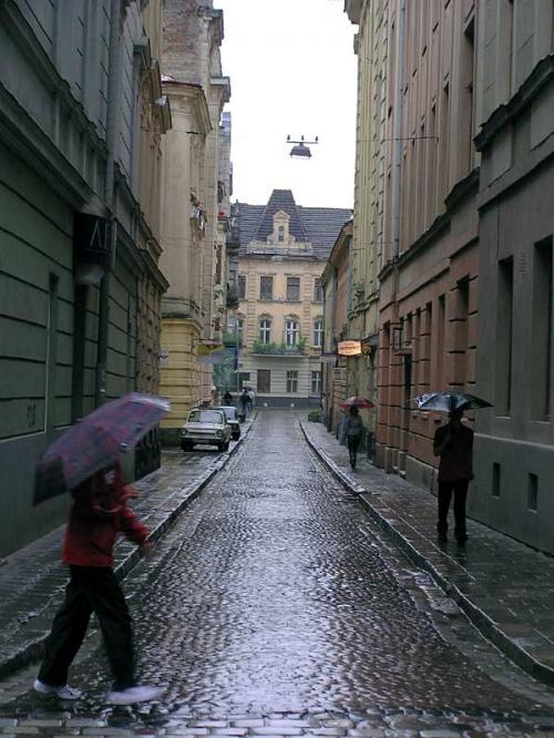 World Travel Photos :: Ukraine - Lvov :: Lviv. Rain